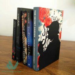 غشگیر و نگهدارنده کتاب نیتا متال طرح شرلوک